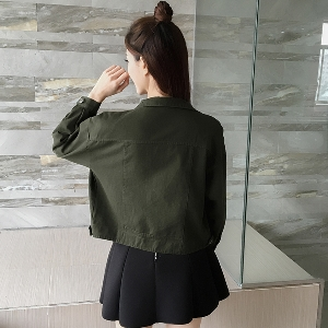Дънково стилно дамско яке в зелен, черен и тъмнозелен цвят с копчета