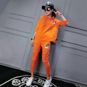 Спортен комплект с Мики Маус в оранжев цвят