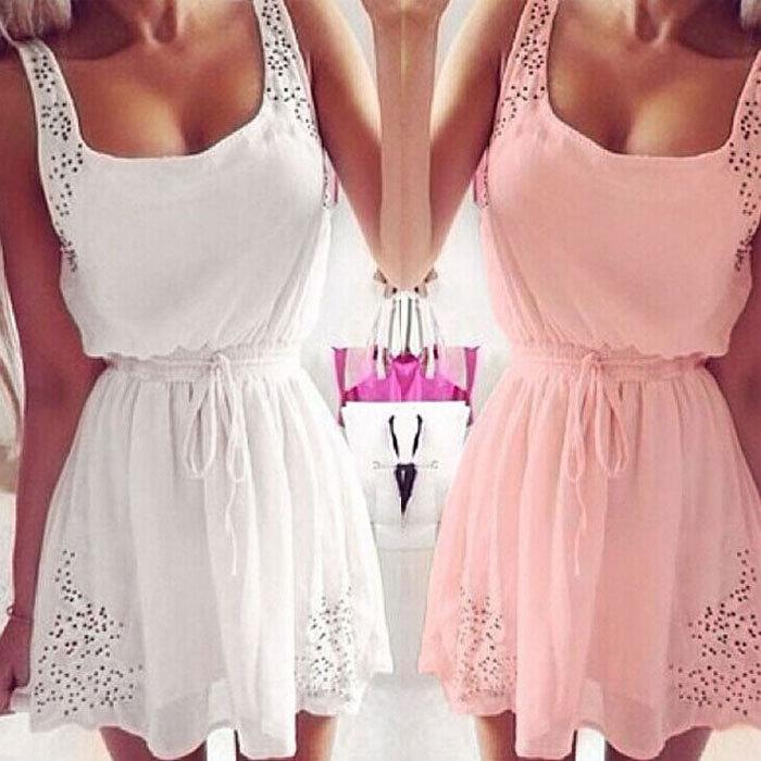 Γλυκό φόρεμα σε μωρό ροζ και άσπρο - Badu.gr Ο κόσμος στα χέρια σου c5016f22cc6