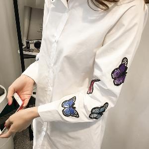 Дамска дълга бяла памучна риза с пеперуди на ръкавите Нов модел