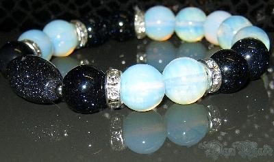 Дамска гривна от естествени камъни Авантюрин и Лунен камък - DM-2210