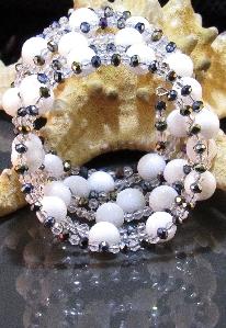 Уникална дамска гривна от естествени камъни бял Оникс - DM-2017