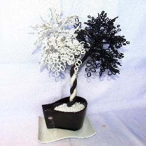 Сувенир - Декоративно дърво Ин и Ян от мъниста - 36 см