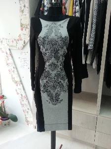 рокля с елементи