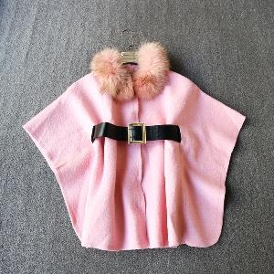 Страхотно пончо в розов цвят с колан и пух