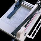 Ръчна гилотина 858 А4 с дължина на рязане 320 mm до 400 листа