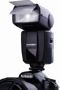 Светкавица YONGNUO  YN-460 / Камери и Фотография